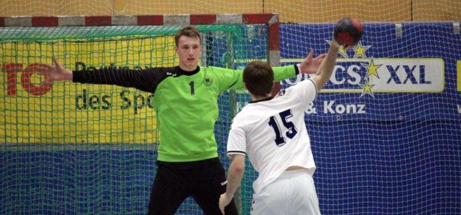 DHB-Jugend mit weißer Weste ins Halbfinale des Sparkassencups