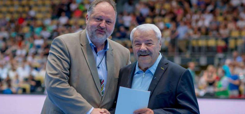Silberne DHB-Ehrennadel für Manfred Prause